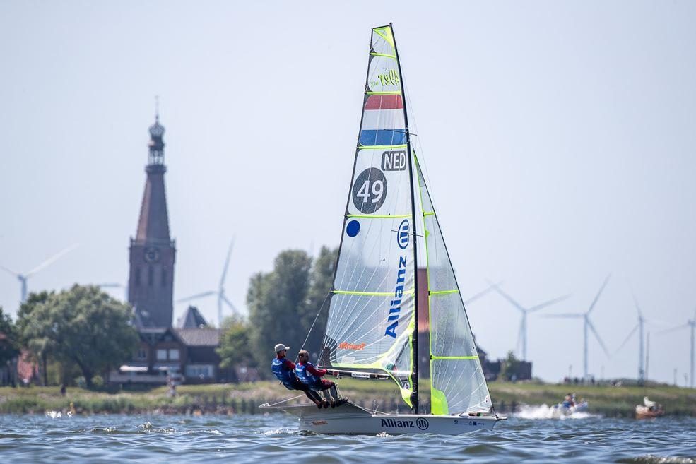 Bart Lambriex en Pim van Vugt voor de kust van Medemblik (fotograaf Sander van der Borch)